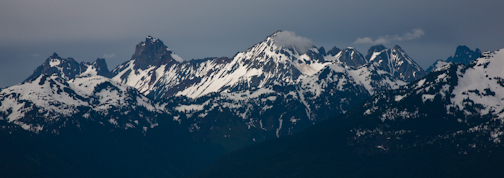From Artist Point the Border Peaks define the northern horizon.