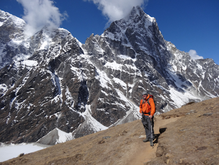 Trekking from Lhotse to EBC