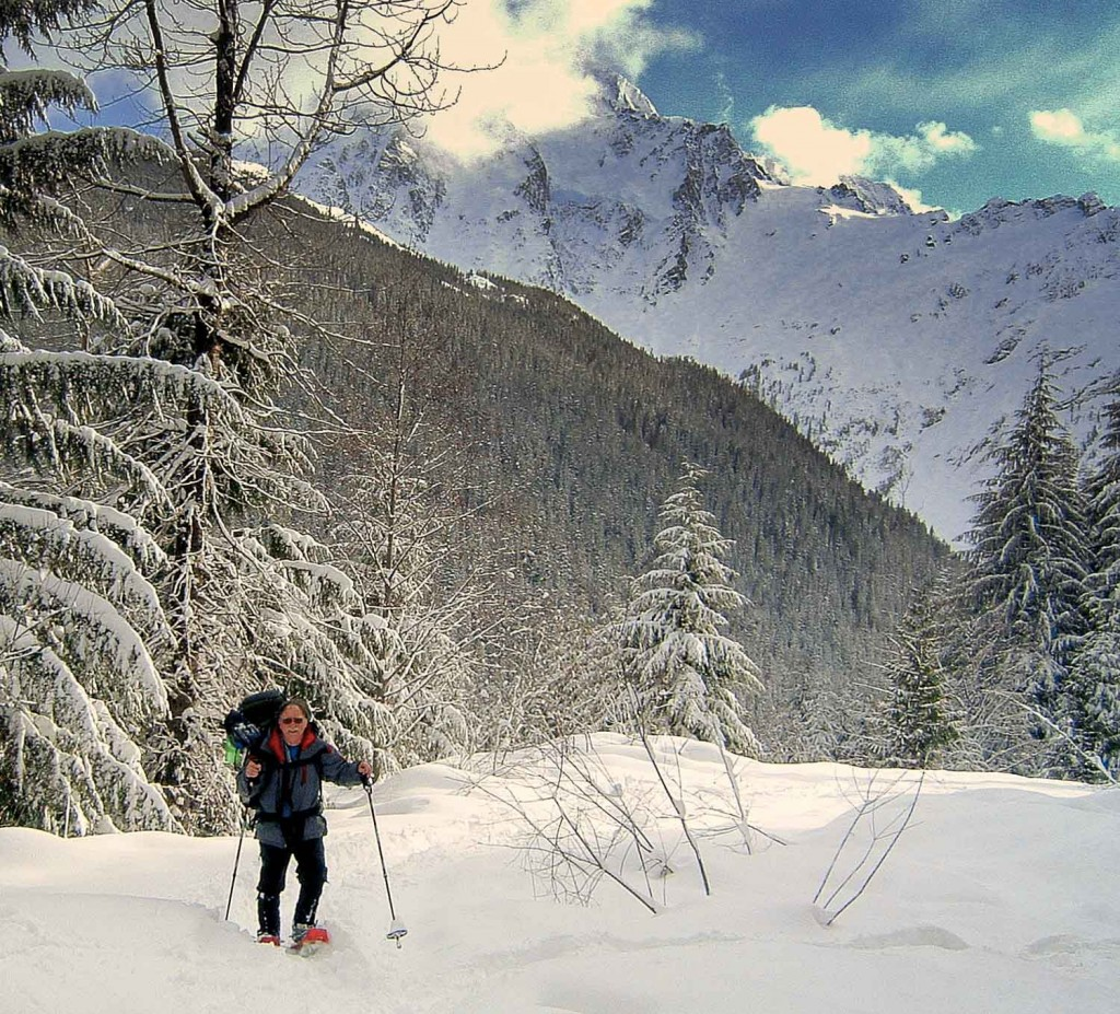 Snowshoeing on the White Salmon Road